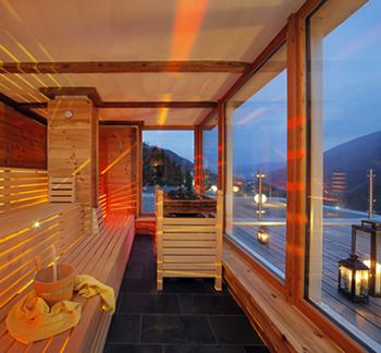 Finnish sauna with panoramic view - Hotel Rainer